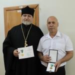 В Экибастузе вручены церковные награды врачам, потрудившимся в борьбе с коронавирусной инфекцией